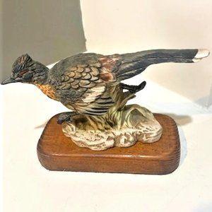 Wildlife Road runner/bird porcelain figurine